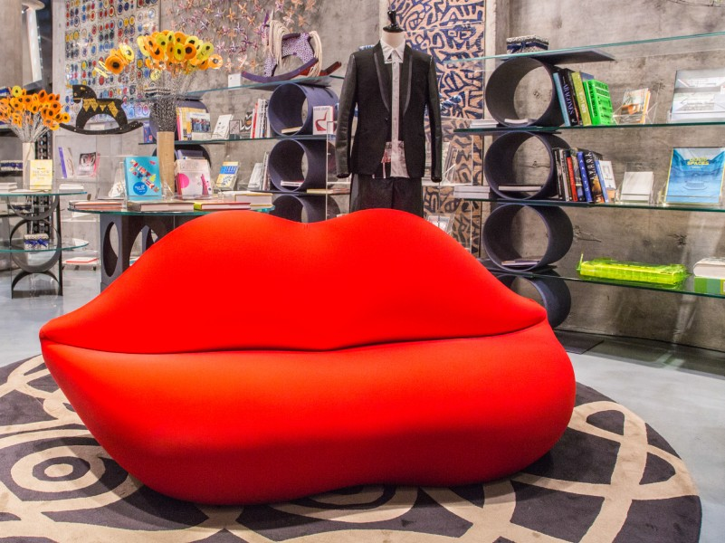 BOCCA, RED LIP SOFA BY GUFRAM